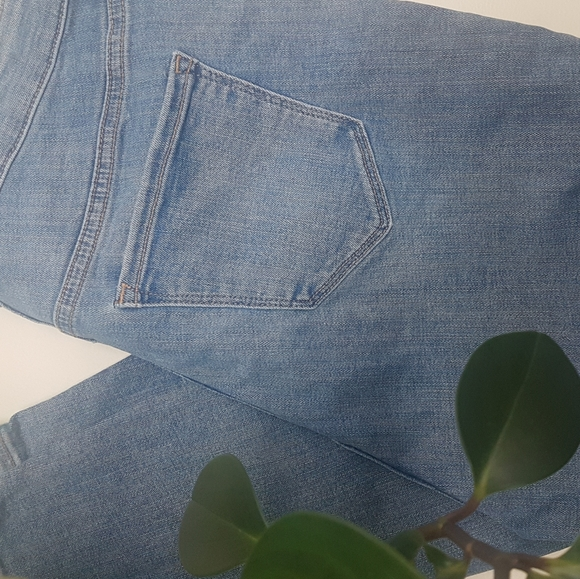 NWT Old Navy high-waisted Rockstar skinny jeans